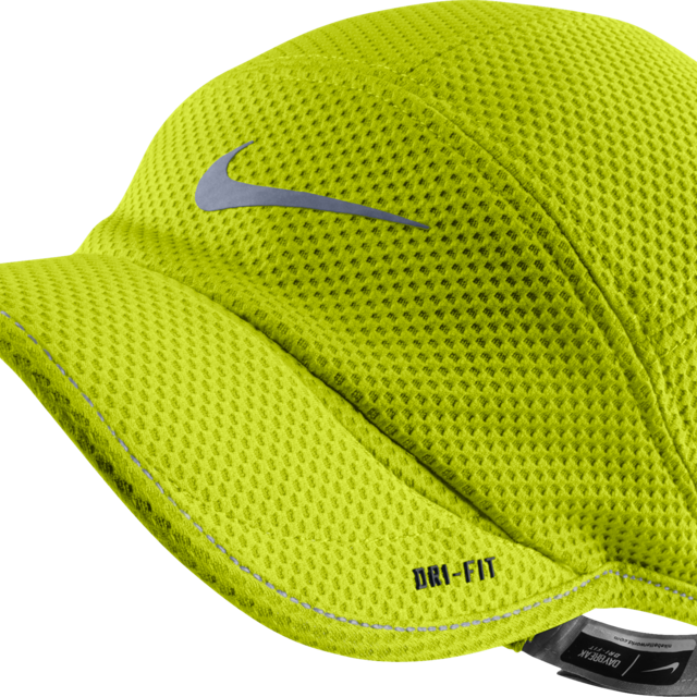 Nike TW Mesh Daybreak Cap in Volt