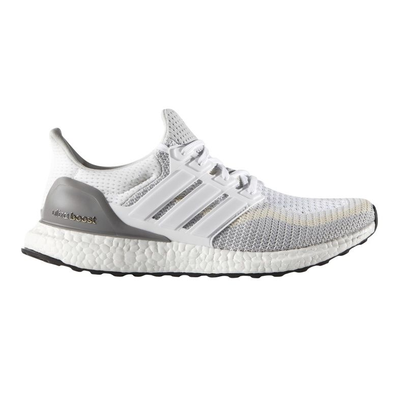 adidas UltraBOOST in Weiß