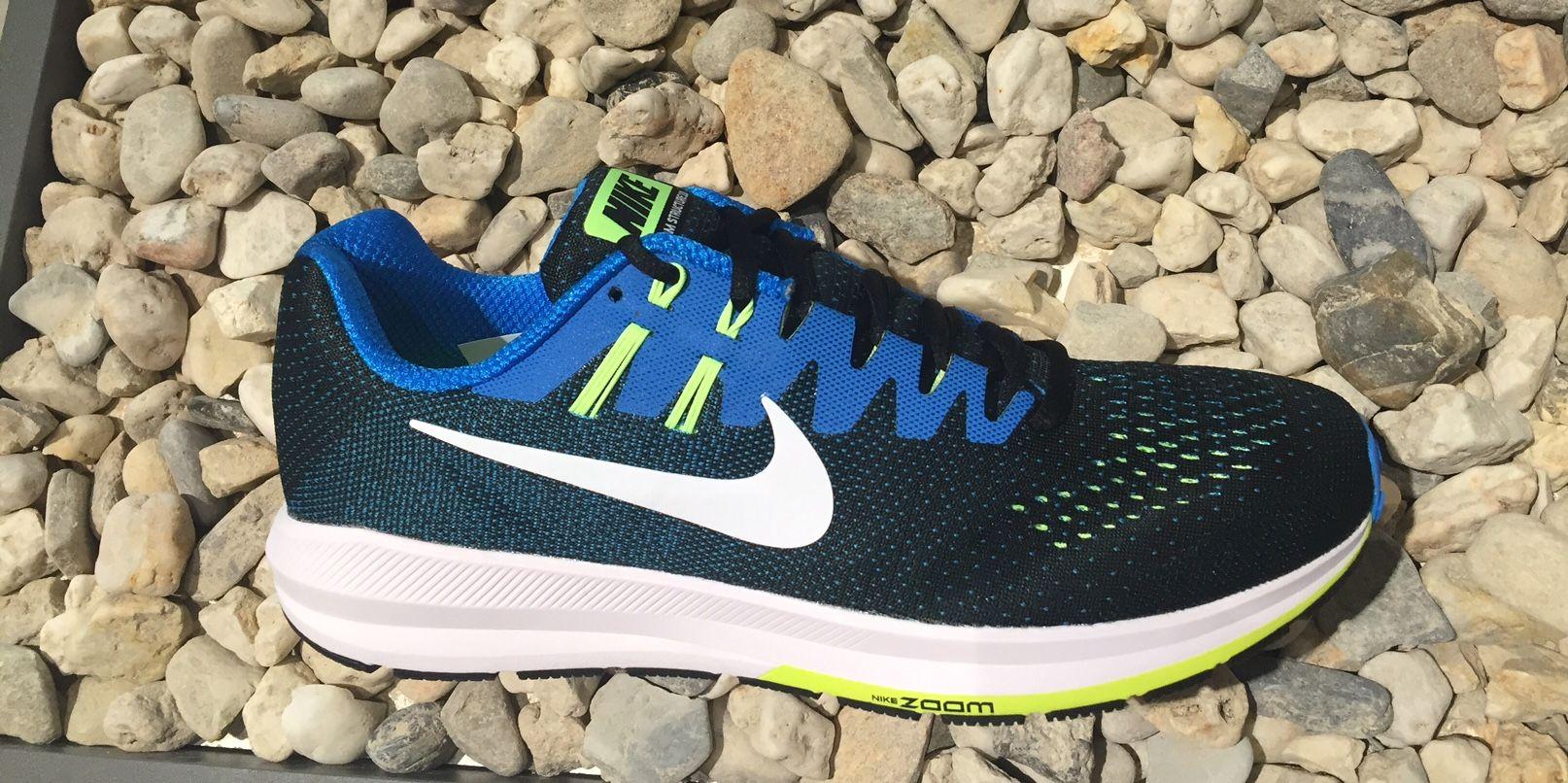 Nike Air Zoom Structure 20 in Blau