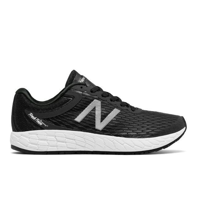 New Balance Lady Boracay V3 in Schwarz