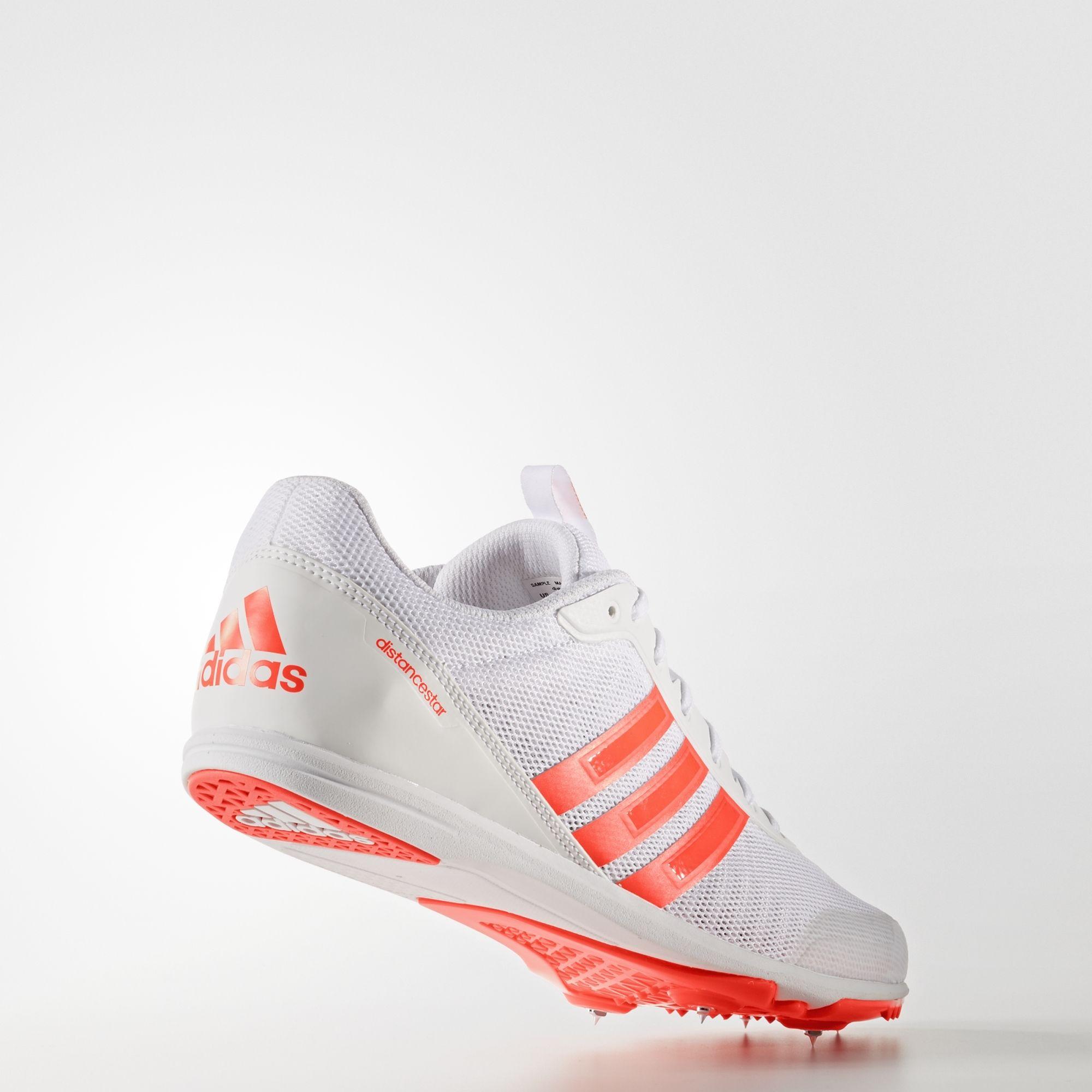 adidas Distancestar in Weiß Solar Red