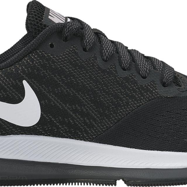 Nike Zoom Winflo 4 GS in Schwarz