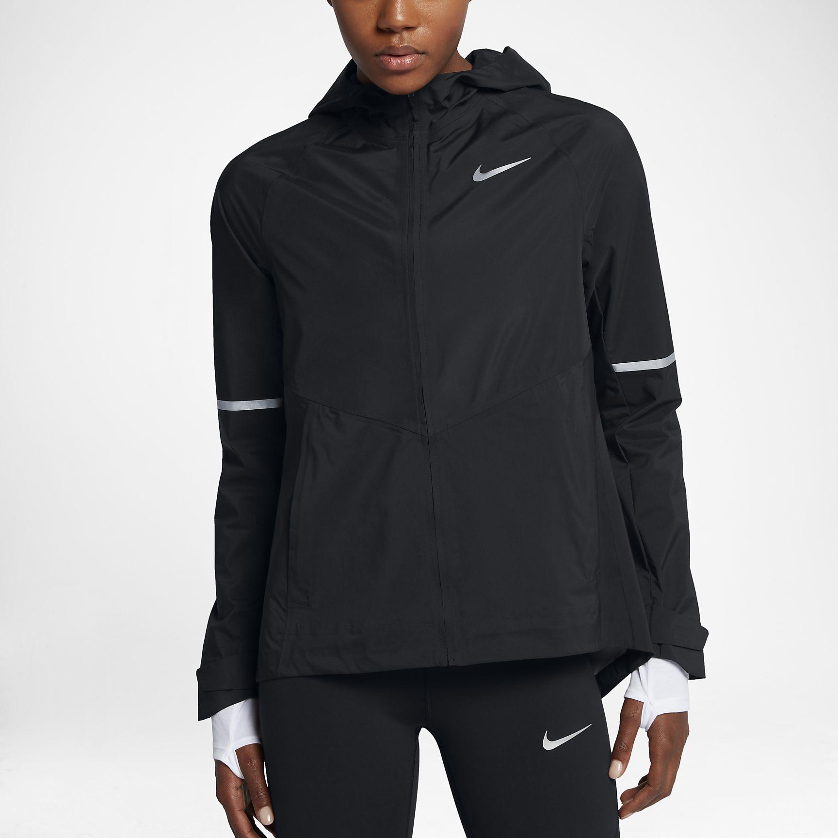 Nike Lady Zonal AeroShield in Schwarz