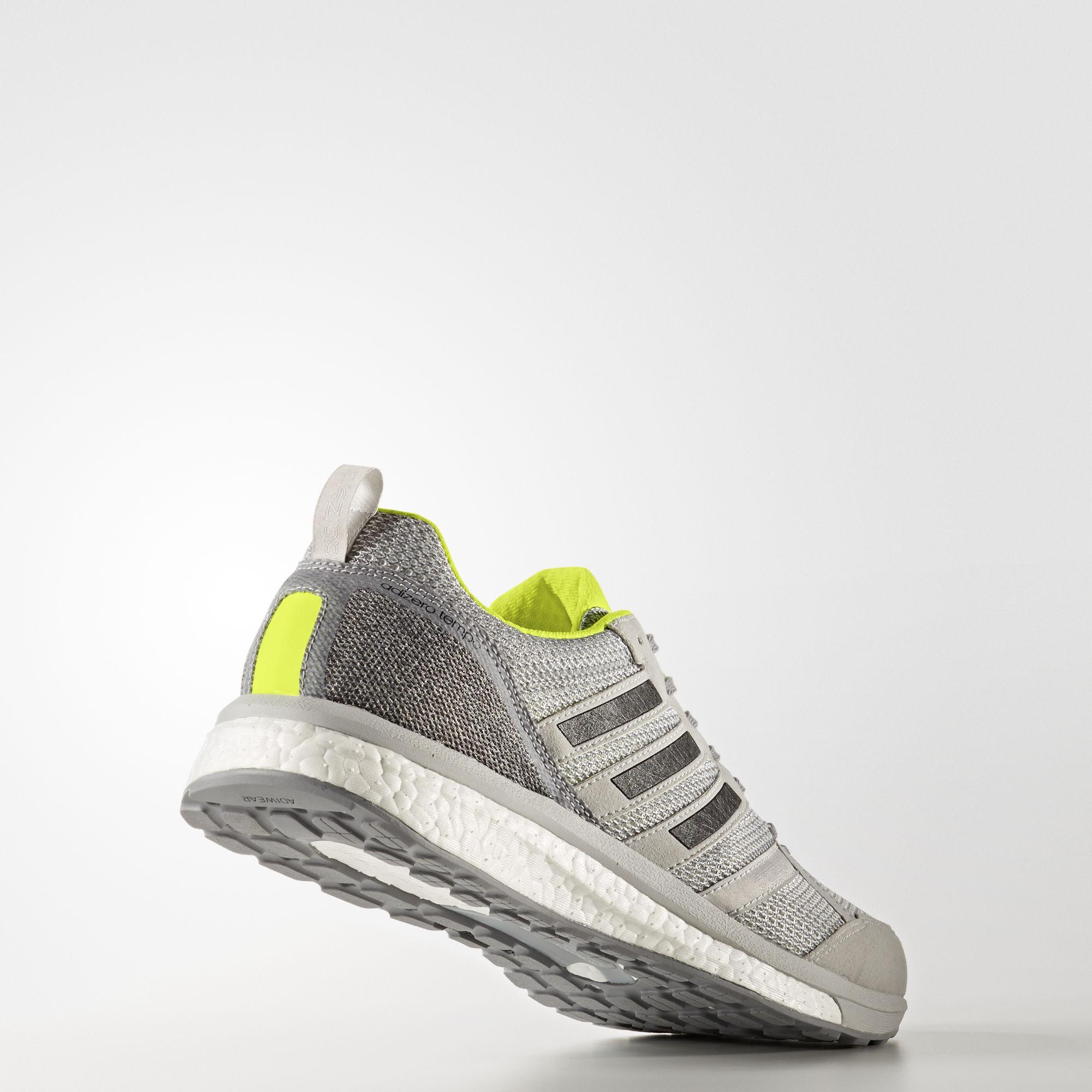 adidas Adizero Tempo 9 in Grau