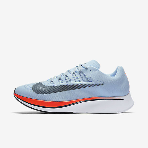 Nike Zoom Fly in Blau