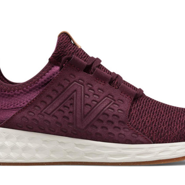 New Balance Fresh Foam Cruz V1 in Burgunde Sea Salt