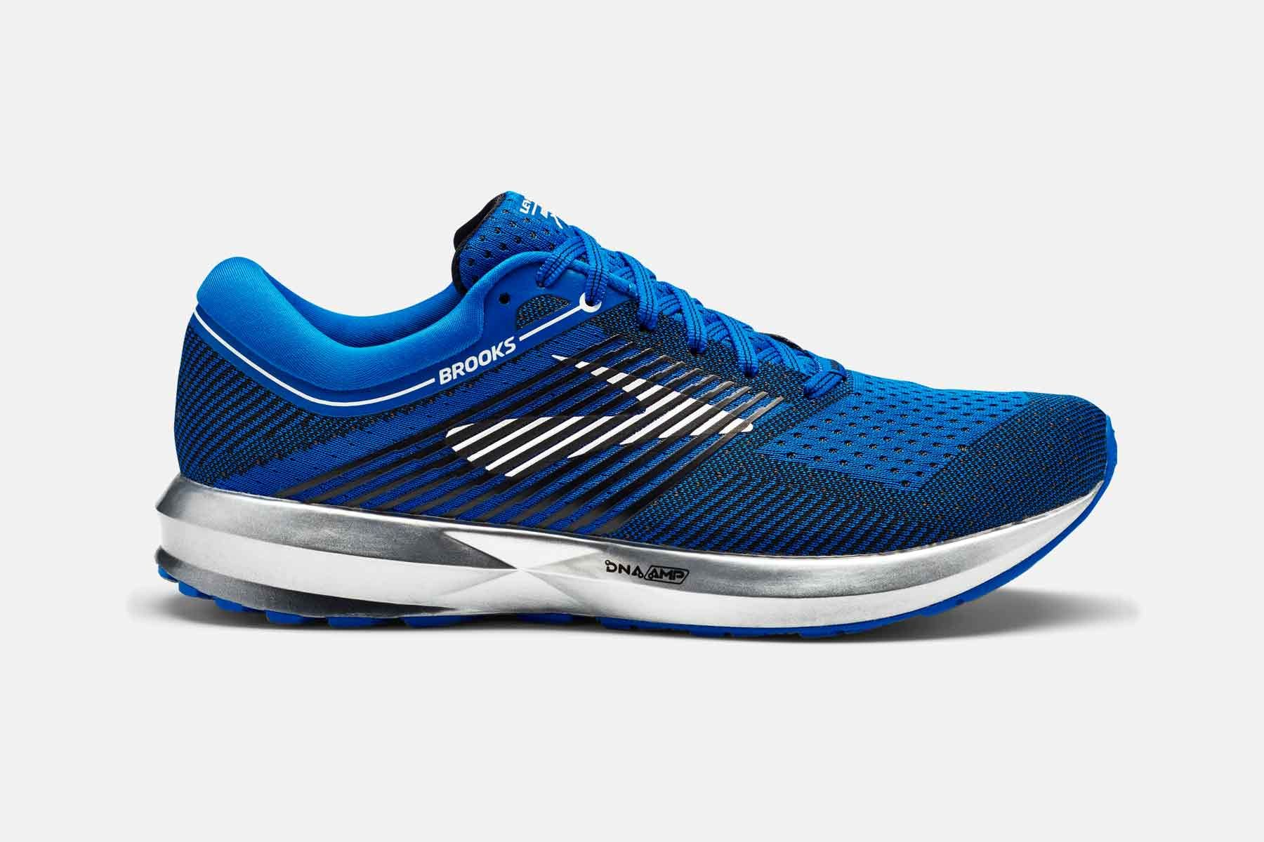 Brooks Levitate in Blau