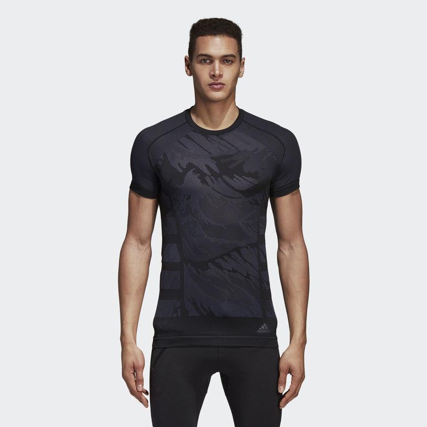 adidas Ultra Primeknit Parley T-Shirt in Schwarz