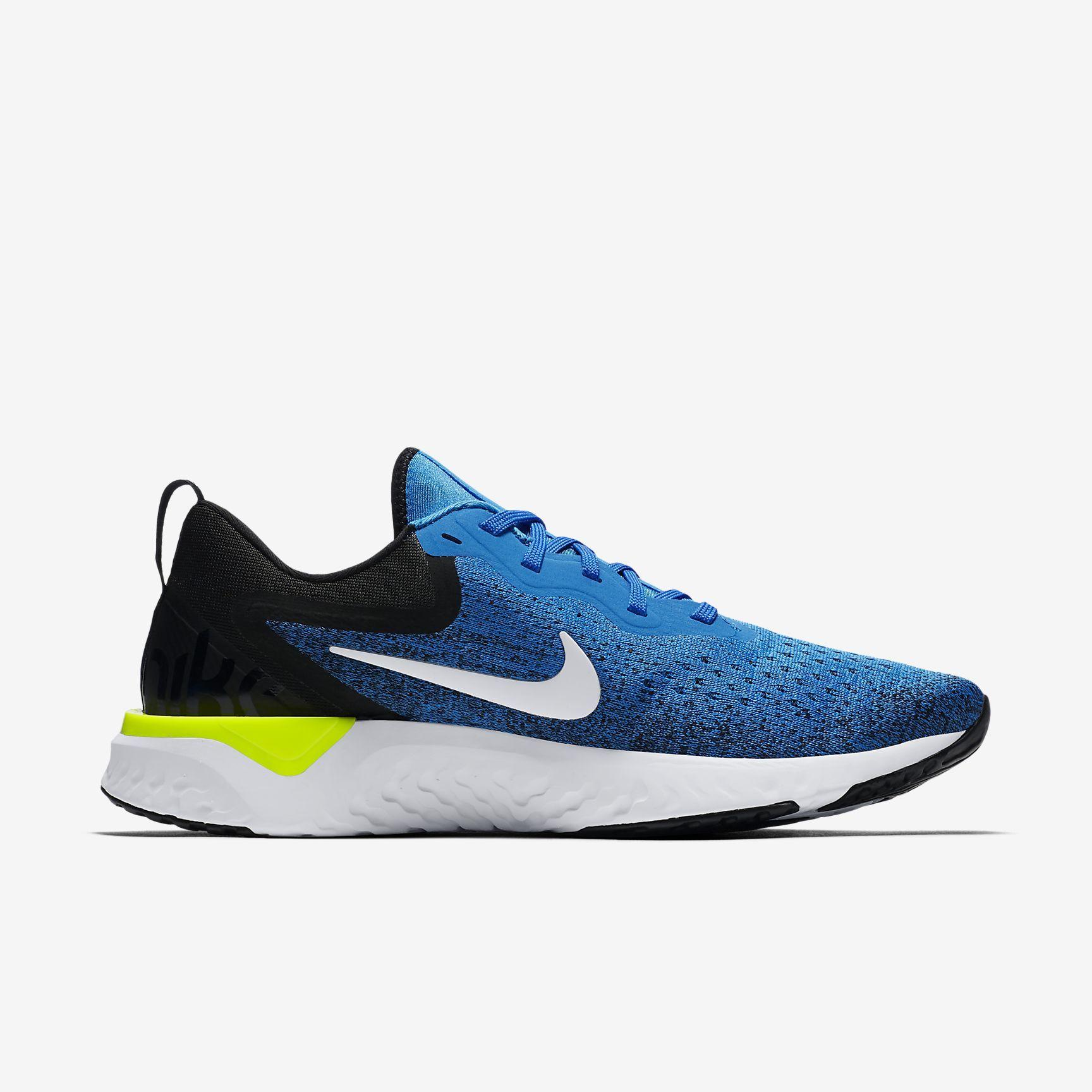 Nike Odyssey React in Blau Weiß
