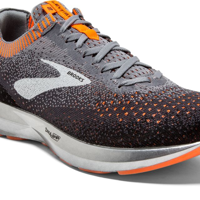 Brooks Levitate 2 in Schwarz Orange