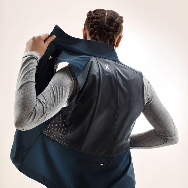 On Lady Weather Vest in Blau