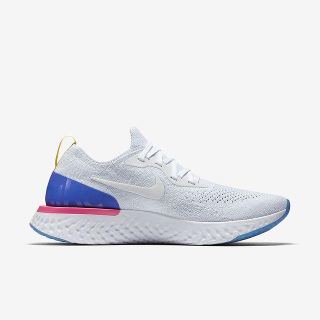 Nike Lady Epic React Flyknit in Weiß Blau Pink