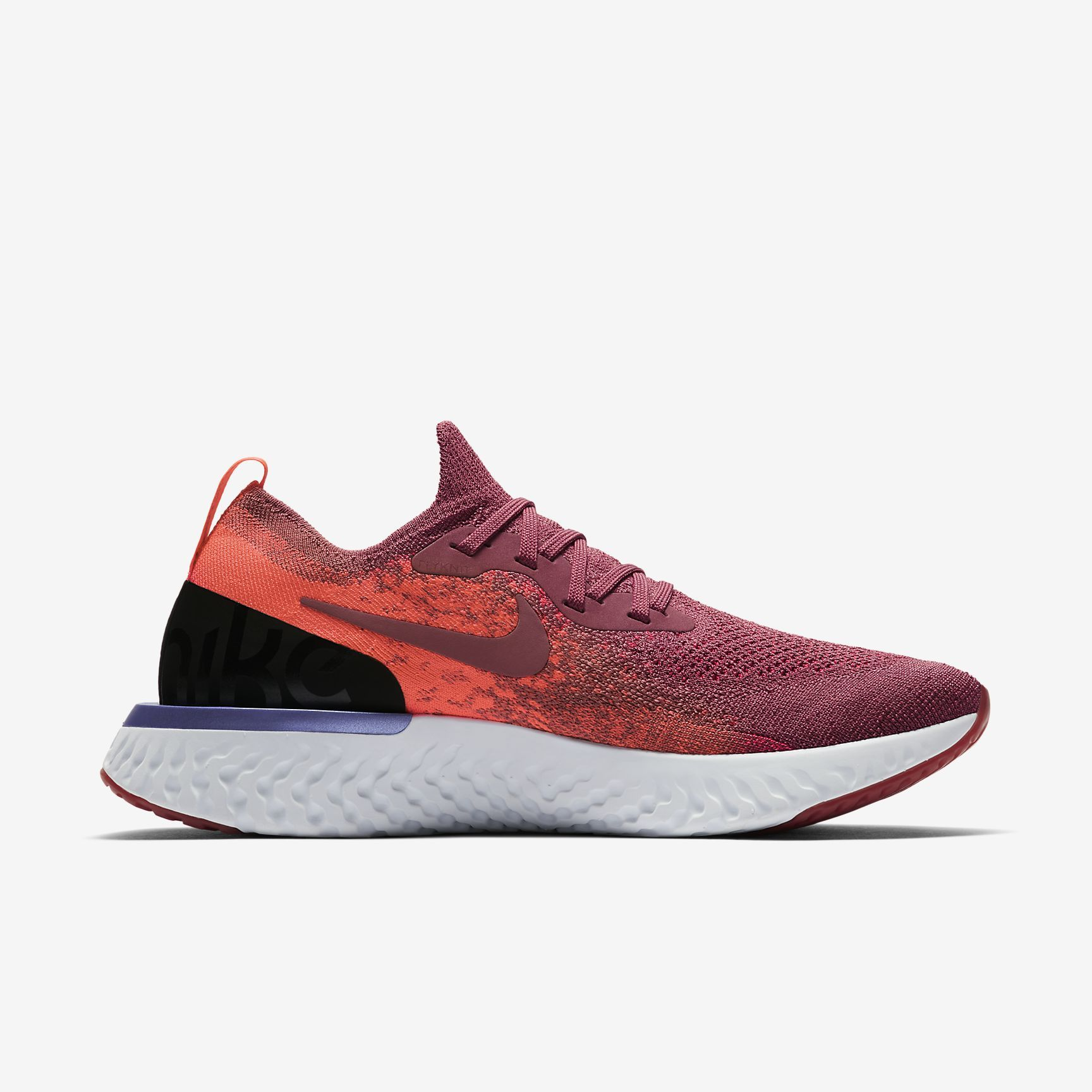 Nike Lady Epic React Flyknit in Berry