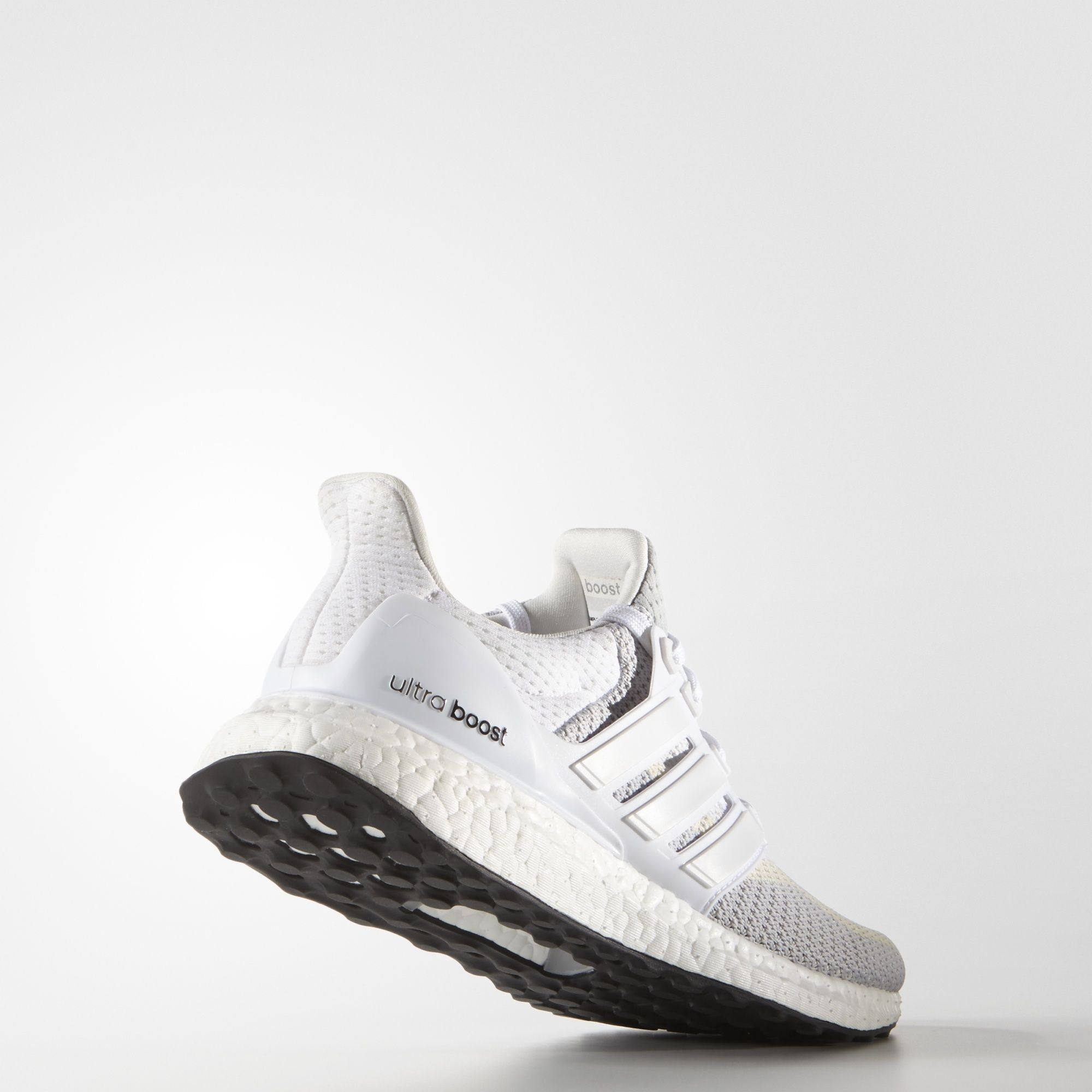 adidas UltraBOOST w in Weiß Grau