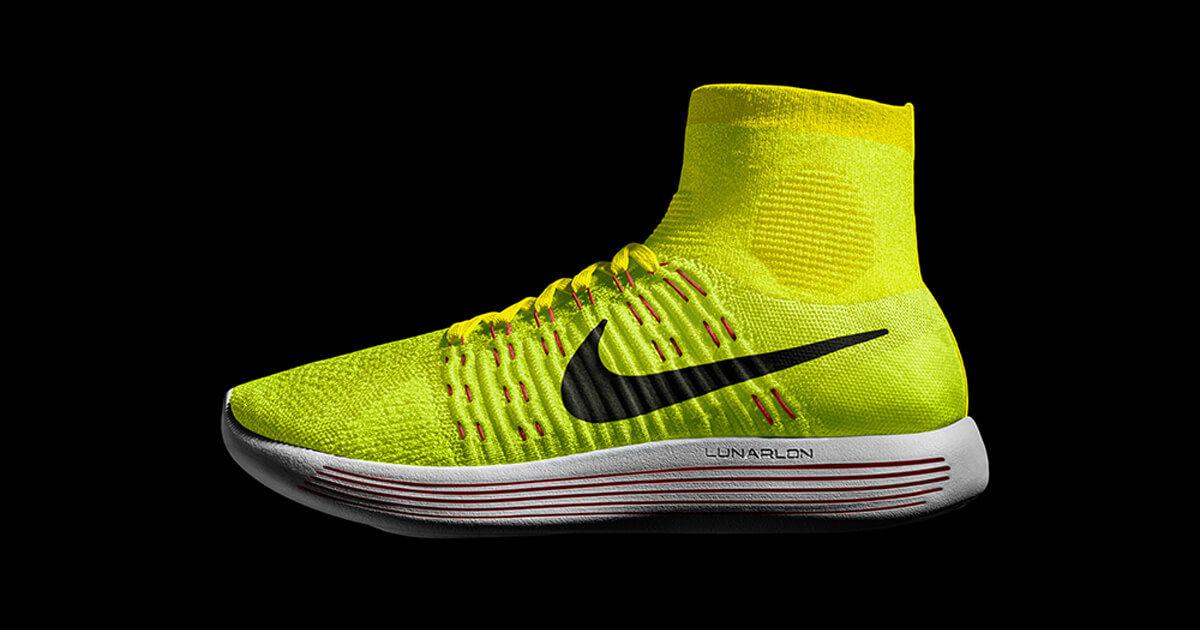 Nike LunarEpic Flyknit in Volt