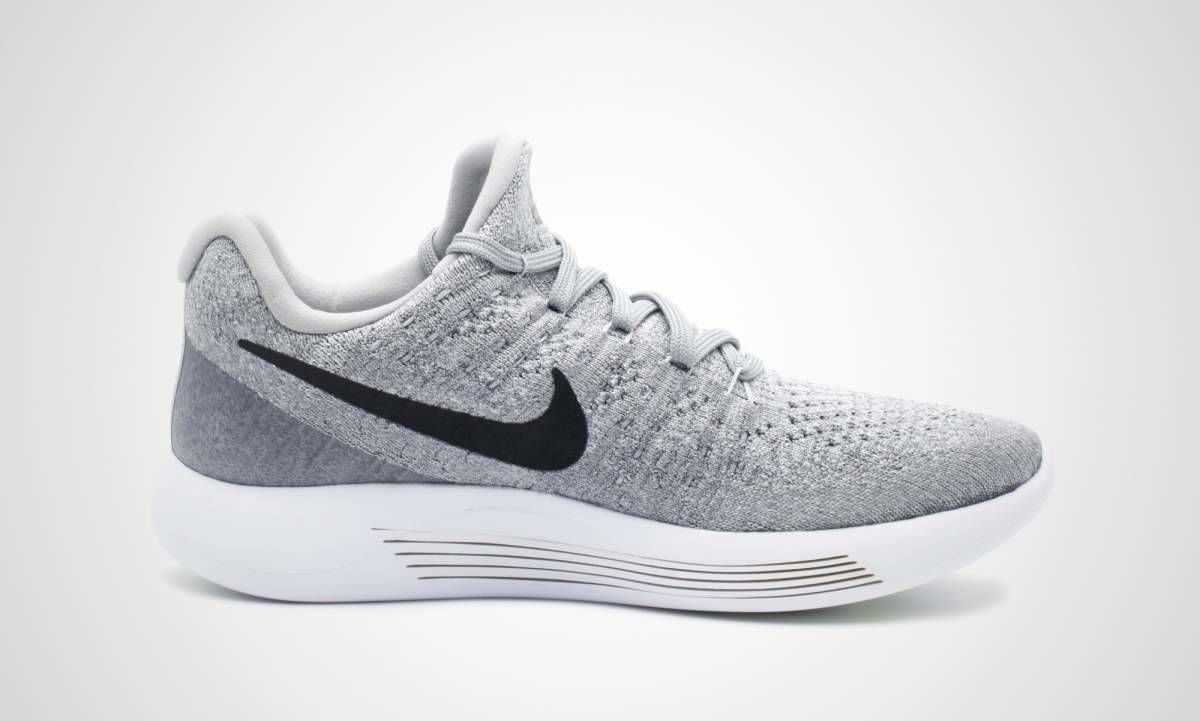 Nike Lady LunarEpic Low Flyknit 2 in Grau
