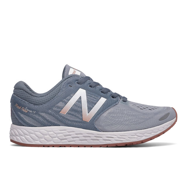 New Balance Lady Zante v3 in Grau