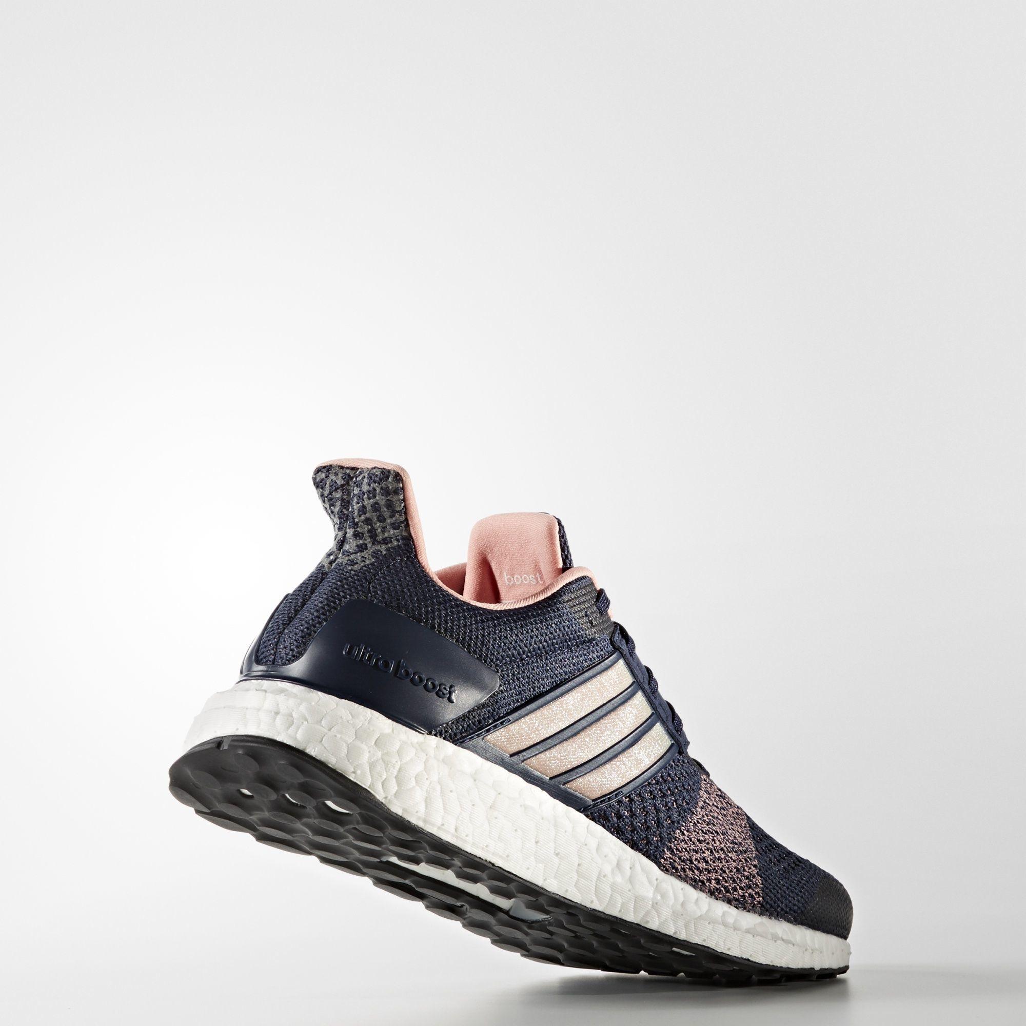 adidas UltraBOOST ST w (Blau Rosa)