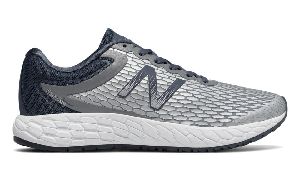 New Balance Lady Boracay v3 in Silber