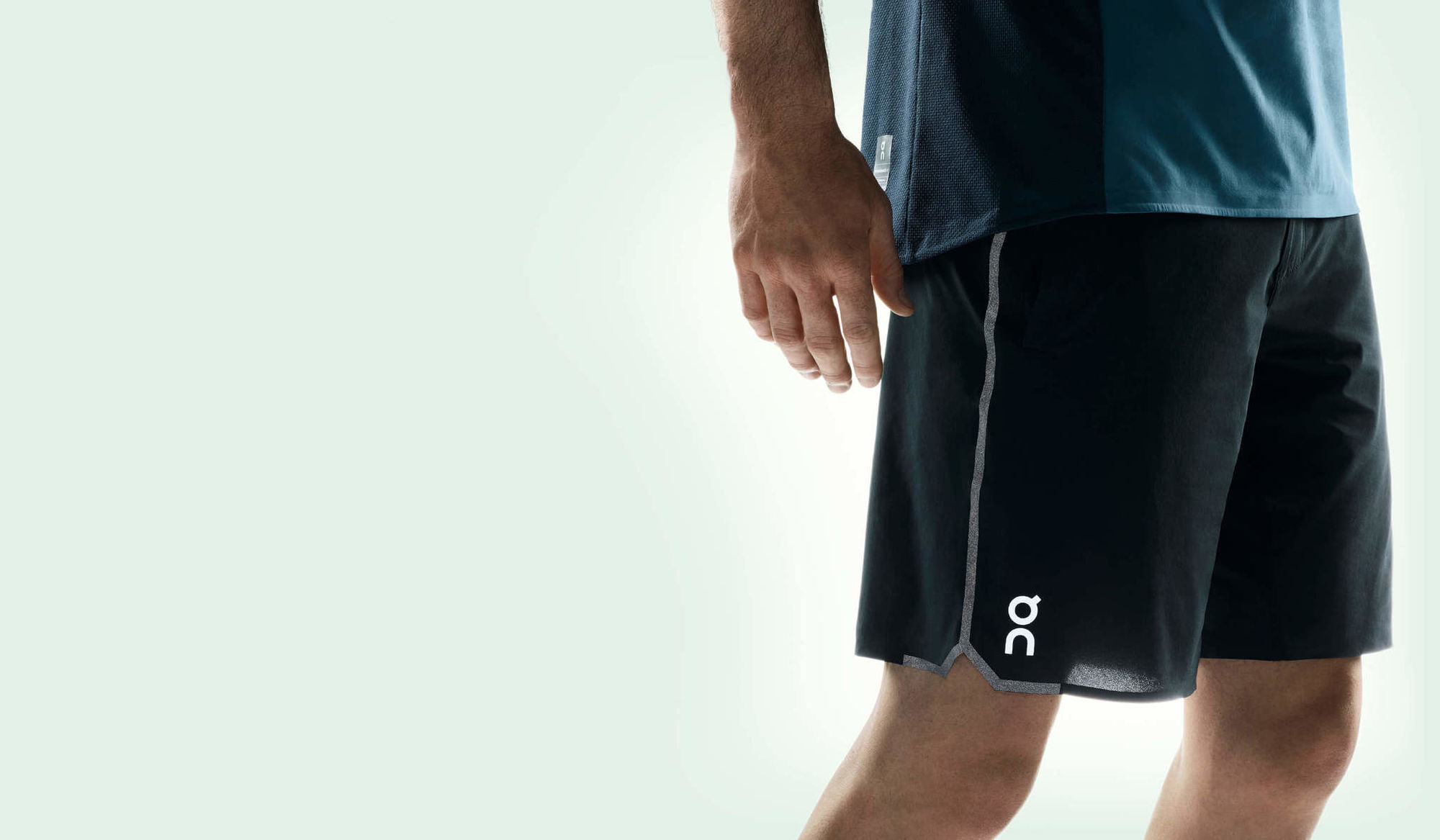 ON Hybrid Shorts (Schwarz)