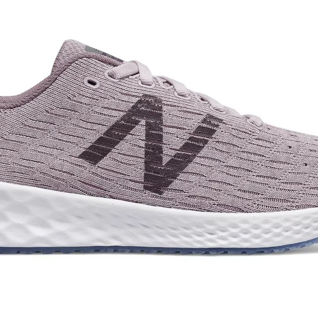 New Balance Lady Zante Pursuit in Rosa