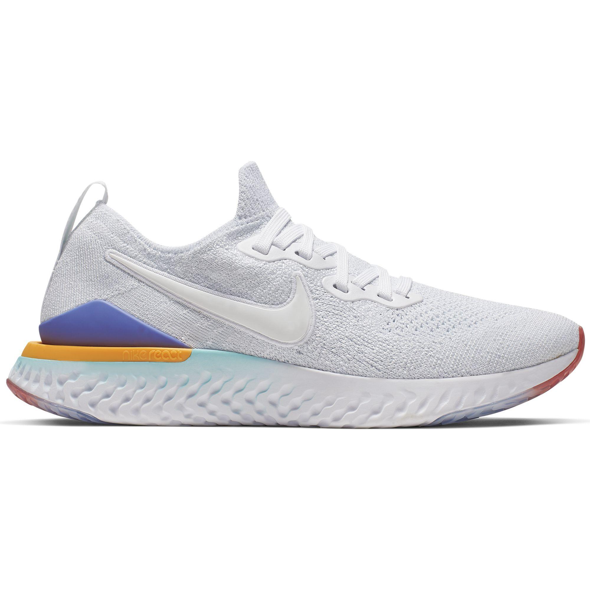 Nike Lady Epic React Flyknit 2 in Weiß