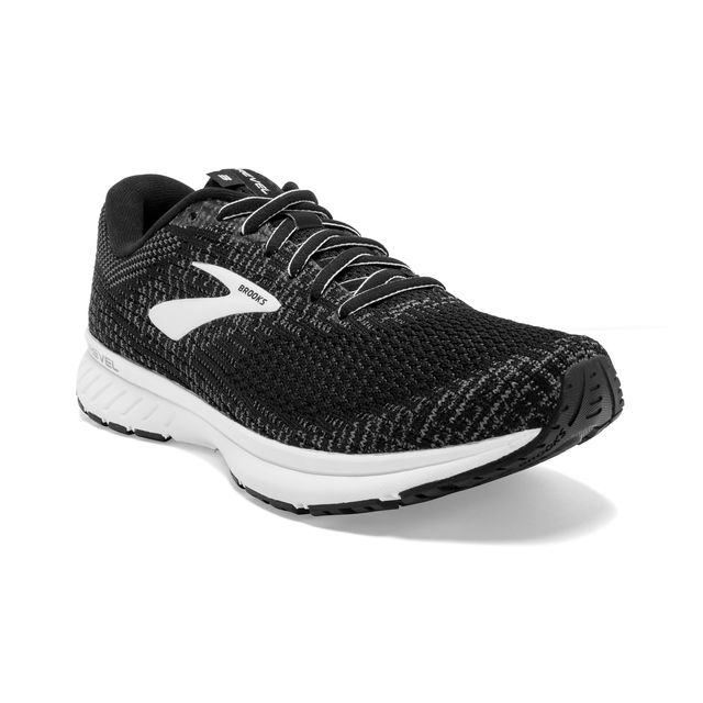 Brooks Revel 3 in Schwarz Weiß