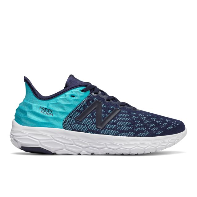 New Balance Fresh Foam Beacon v2 in Blau