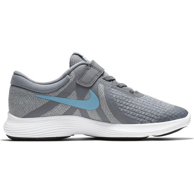 Nike Revolution 4 in Grau