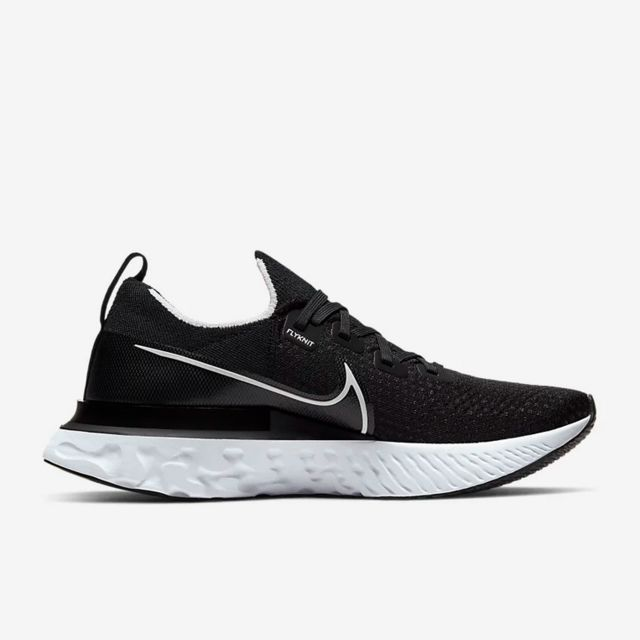 Nike React Infinity Run Flyknit in Schwarz Weiß