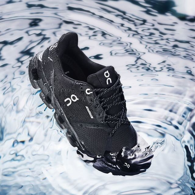 ON Cloudflyer Waterproof (Black)