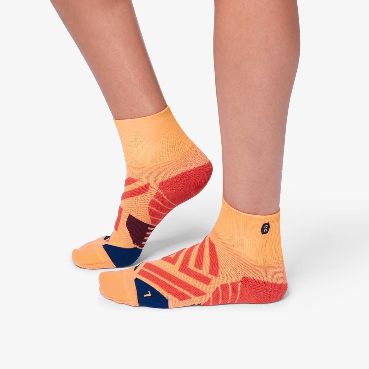 ON Lady Mid Sock Coral (Coral Navy)